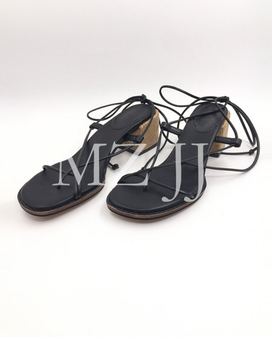HL10134BK Heels