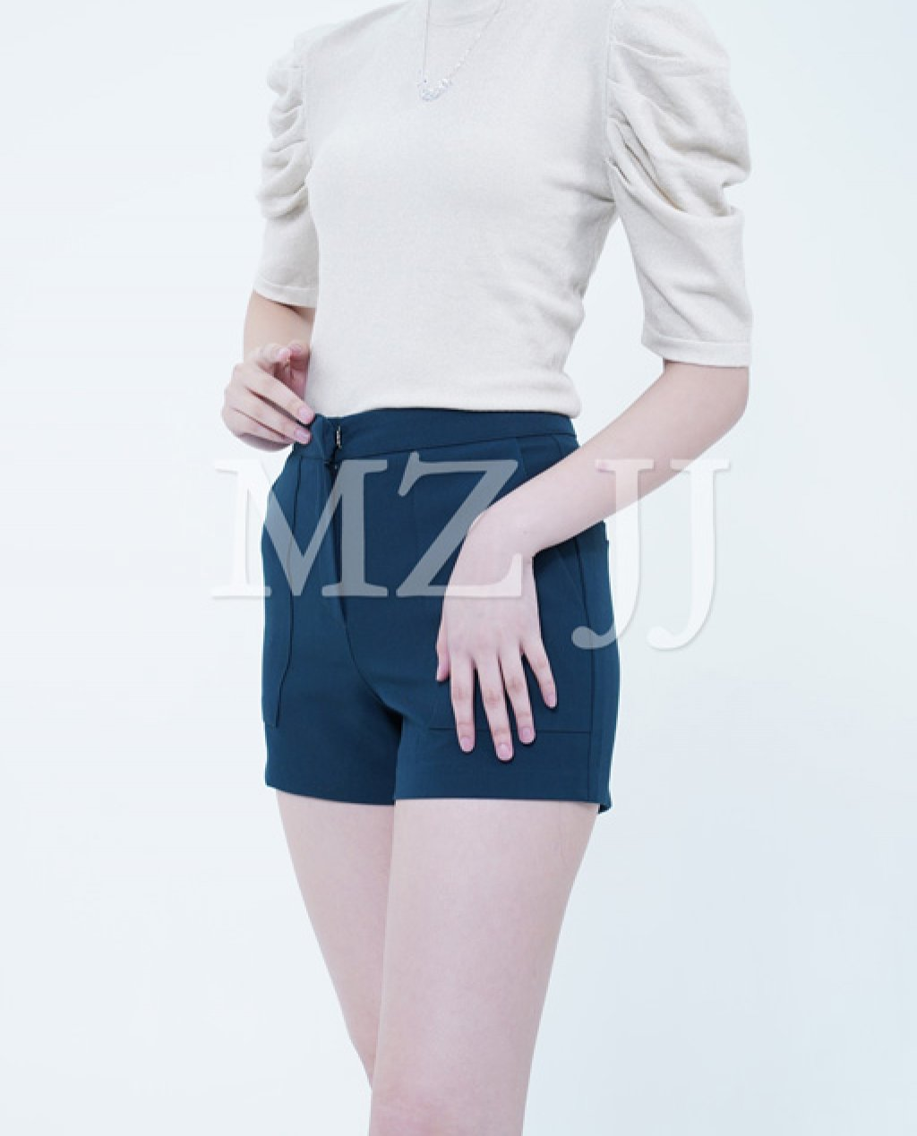 TP10895WH Top