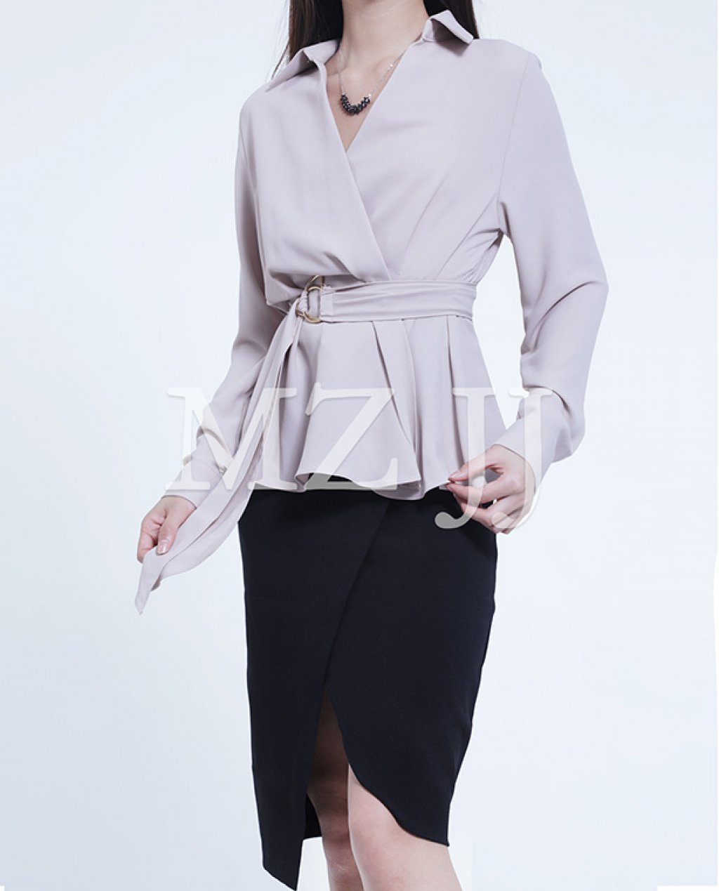 BL10669BE Blouse