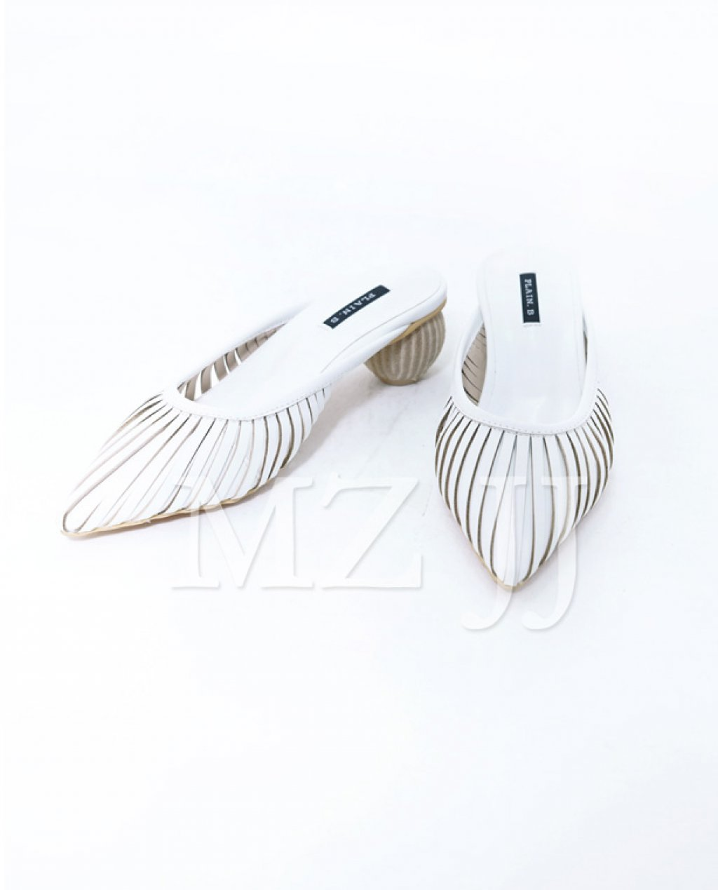 SD10120WH Sandals