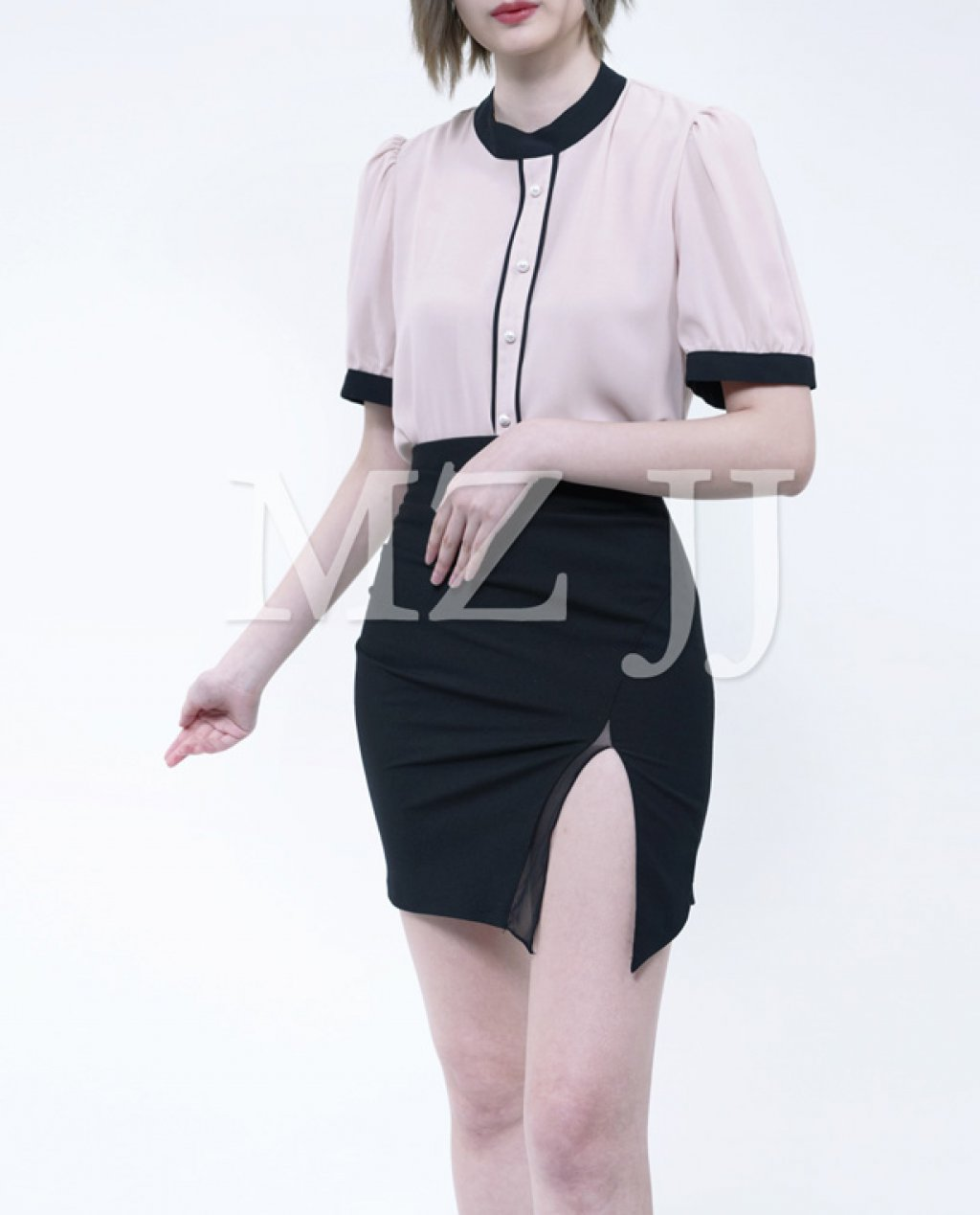 BL10496BE Blouse