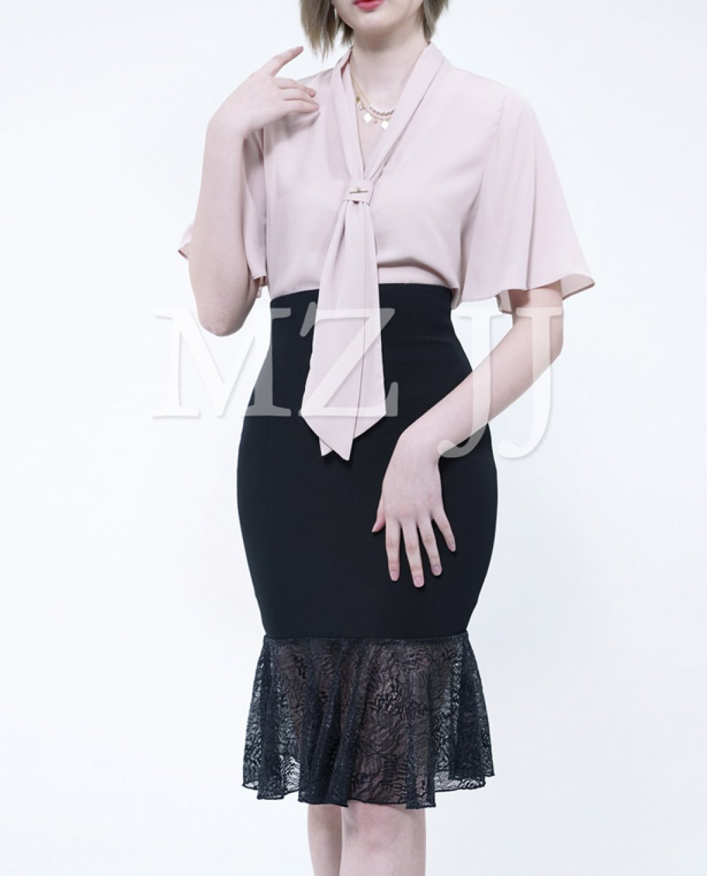 BL10497BE Blouse