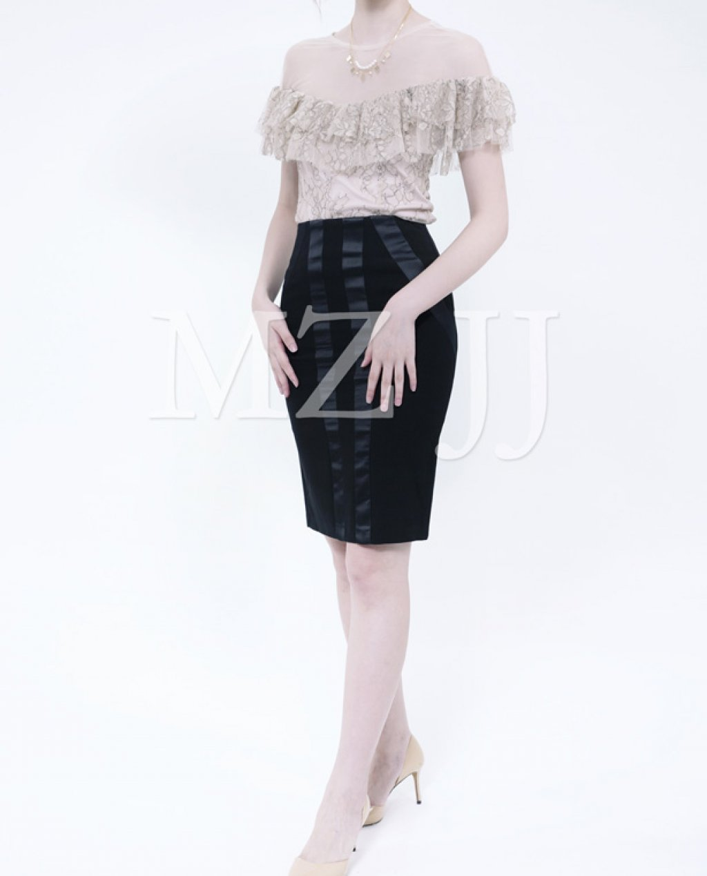 BL10531BE Blouse