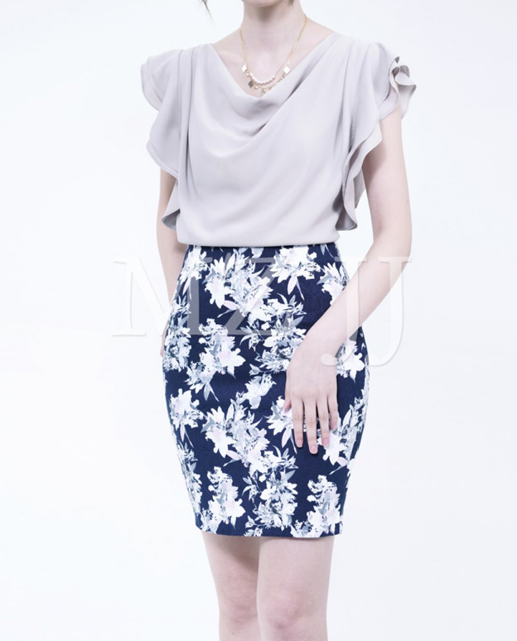 BL10537BE Blouse