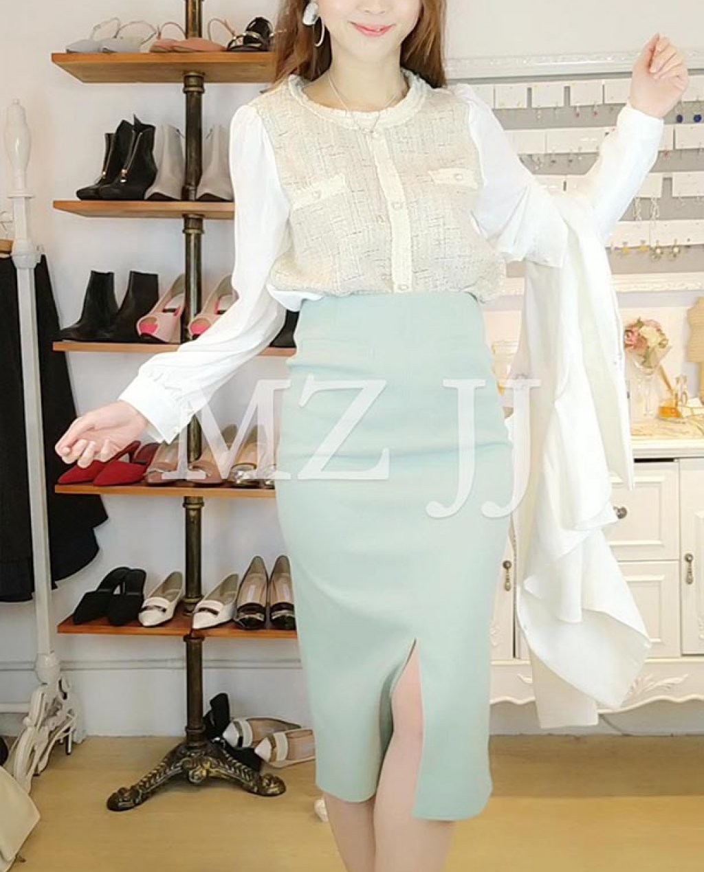 BL10928BE Blouse