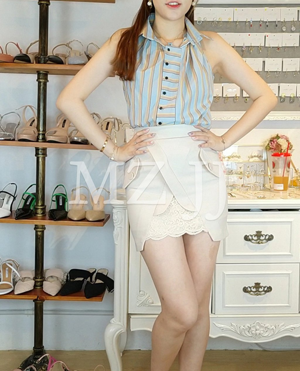 BL11824BE Blouse